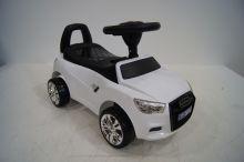 Детская машина-каталка толокар River Toys Audi JY-Z01A белый