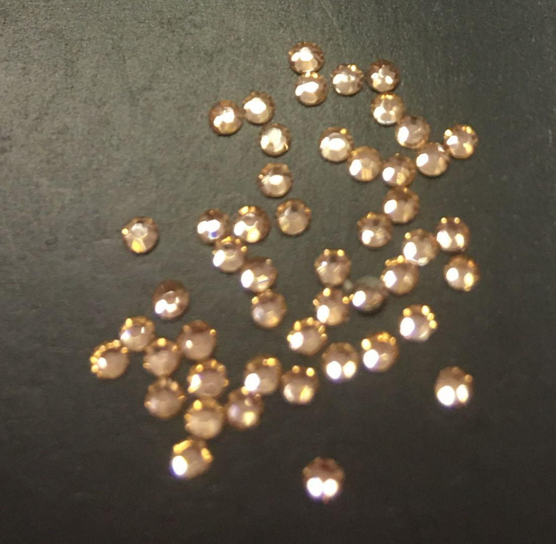 Стразы SS4 стекло плоские (Light Peach 362) уп/50шт
