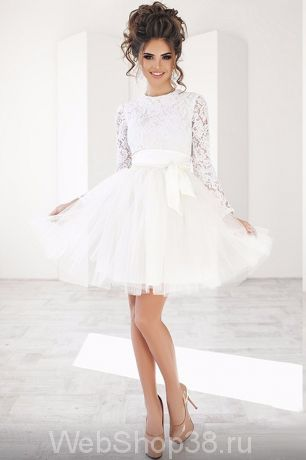 0b80defdd71 Супер крутое короткое коктейльное белое платье с пышной фатиновой юбкой