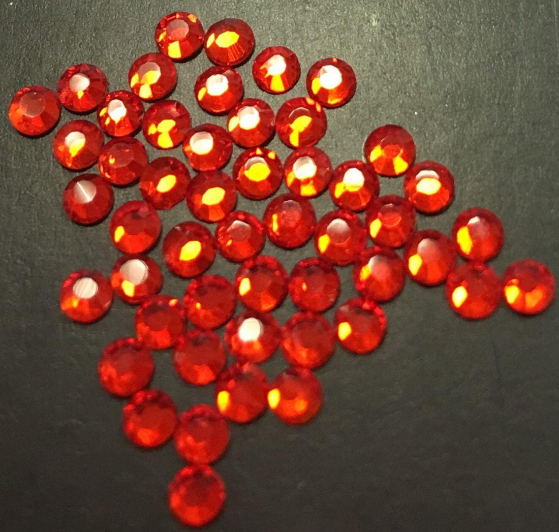 Стразы SS8/2,51мм стекло плоские (ярко-красные 21) уп/50шт