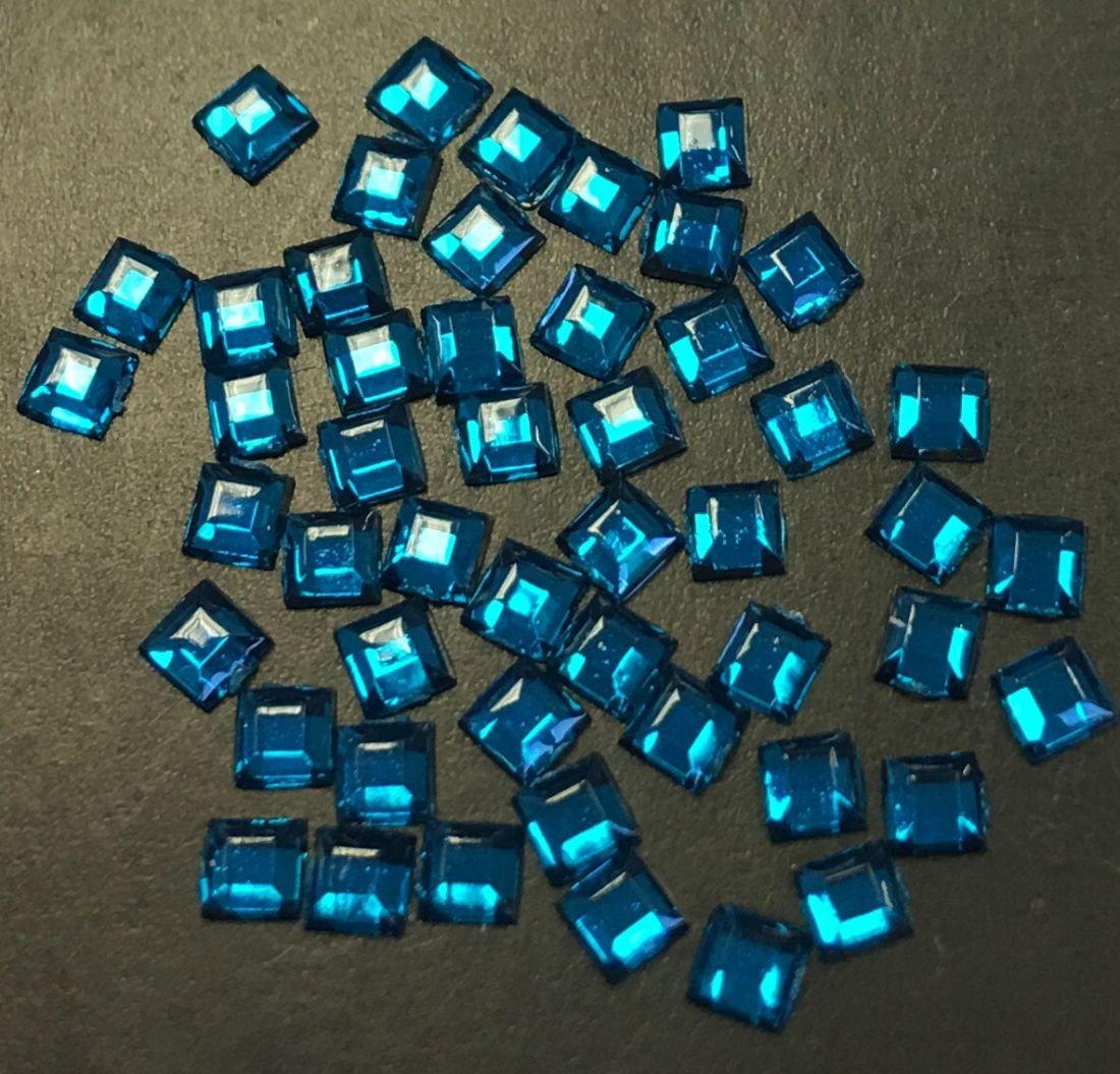 Стразы пластиковые квадрат 2,2х2,2мм уп/50шт (Blue Zircon)