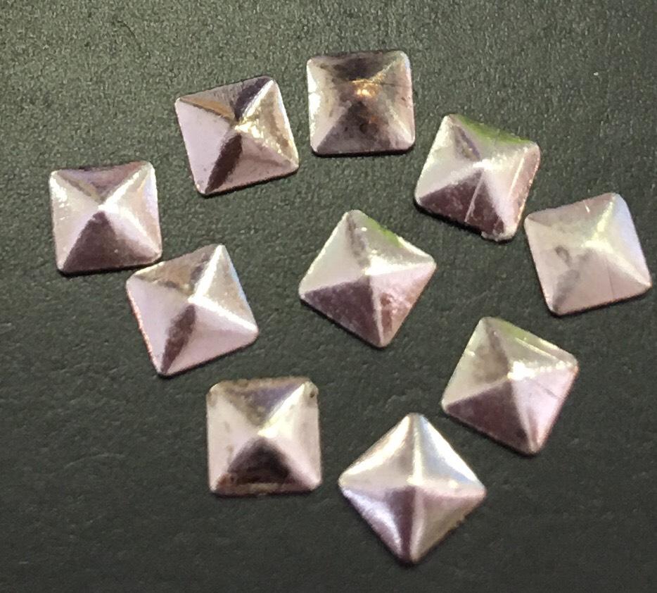 Квадрат металлический (d.3,8мм) уп/10шт. (серебро, фактурный)