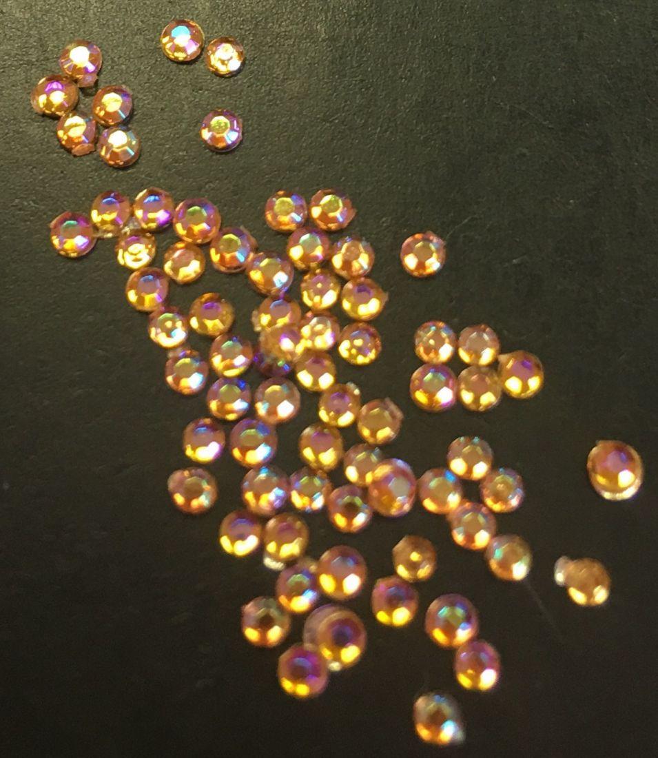 Стразы пластиковые круглые 1,5мм уп/70шт (оранжевые AB)