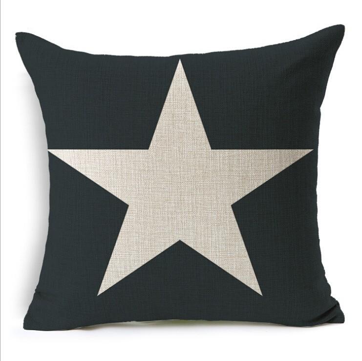 Дизайнерская подушка Звезда на черном фоне