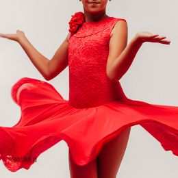 Платье для танцев с гипюром, красное