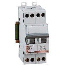 Модульный выключатель Legrand 4-полюсный 32А 2M