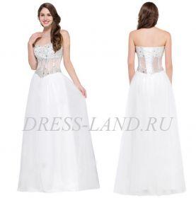 Белое вечернее платье с пышной юбкой
