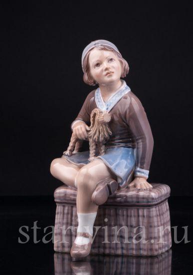 Изображение Девочка с рождественским козликом, Dahl Jensen, Дания