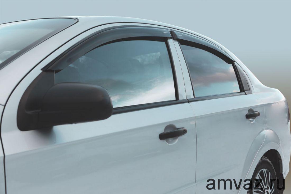 Дефлекторы на боковые стекла Voron Glass серия CORSAR Chevrolet Aveo 2006-2010 /седан/накладные/ скотч /к-т 4 шт./