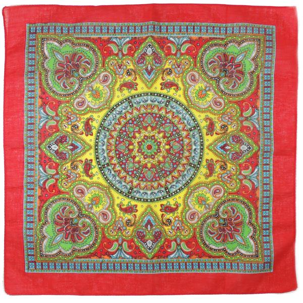 Бандана с красивым рисунком (4 цвета)
