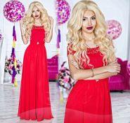 Красное платье в пол с кружевным лифом