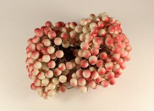 Ягоды 10 мм (длина 16см), цвет бело-красный, 1 уп = 400 ягодок