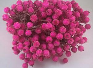 `Ягоды в сахарной обсыпке 12 мм (длина 16см), цвет фуксия 1 уп = 40 ягодок ( 20 веточек)