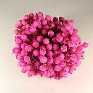 `Ягоды в сахарной обсыпке 12 мм (длина 16см), цвет - ярко-розовый. 1 уп = 40 ягодок ( 20 веточек)