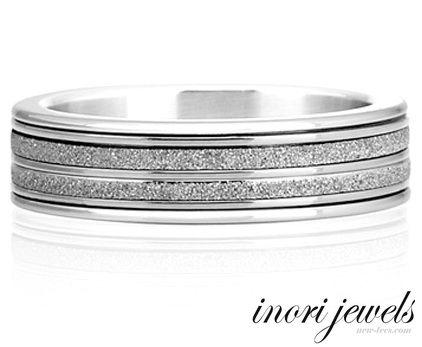 Стальное кольцо Inori с бриллиантовой крошкой