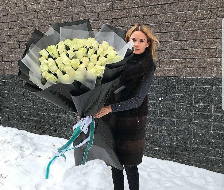 Огромный букет из белой Импортной Розы