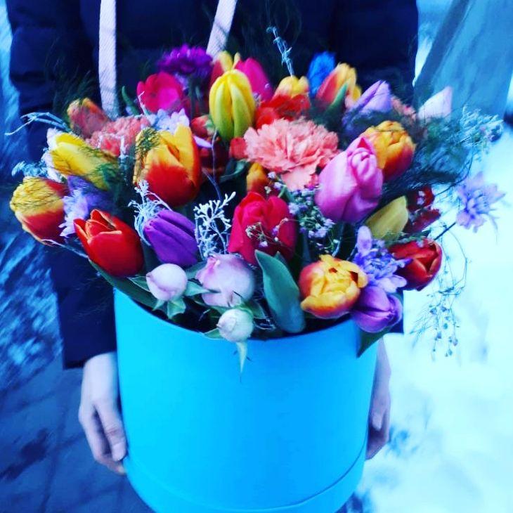 Коробочка из Микс тюльпанов