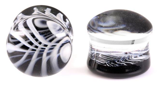 Плаги из стекла черно-полосатые