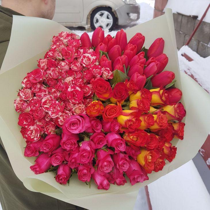 Огромный букет из 81 микс цветов