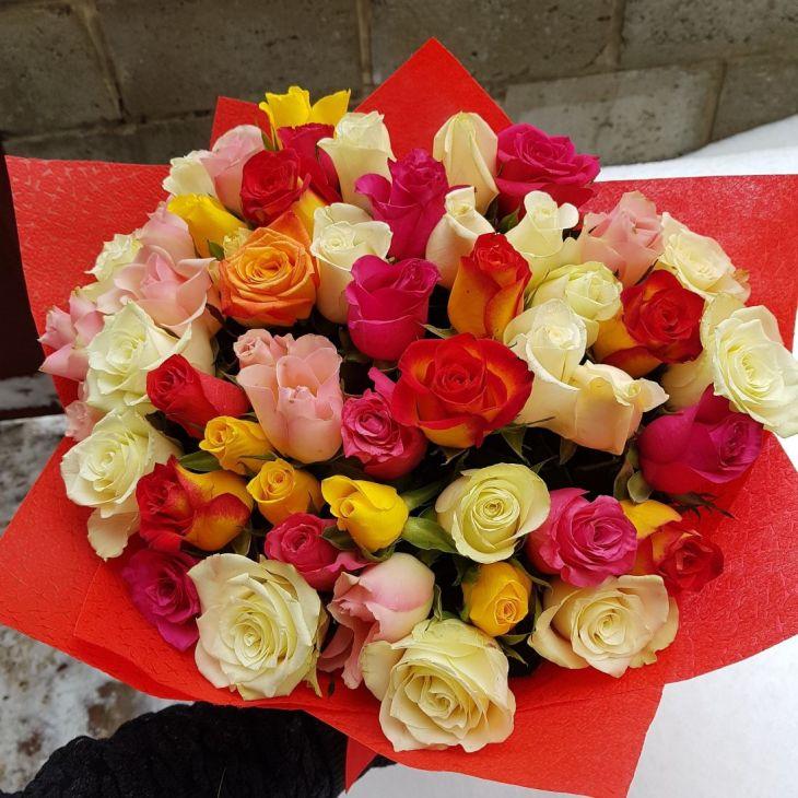 51 роза Разноцветная радуга
