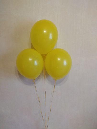 Желтый шар с гелием