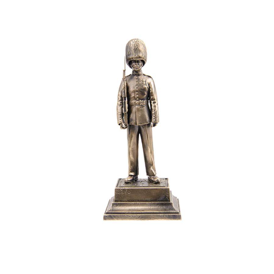 """Статуэтка """"Королевский гвардеец Великобритании"""""""