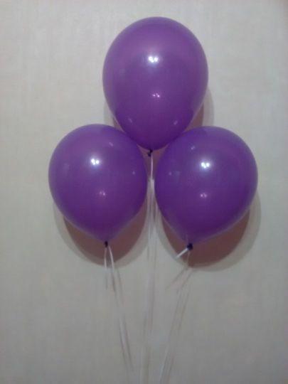Фиолетовый шар с гелием