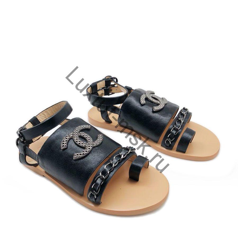 5d67e71e5747 Женские брендовые сандалии Chanel (Шанель) замшевые и кожаные купить ...