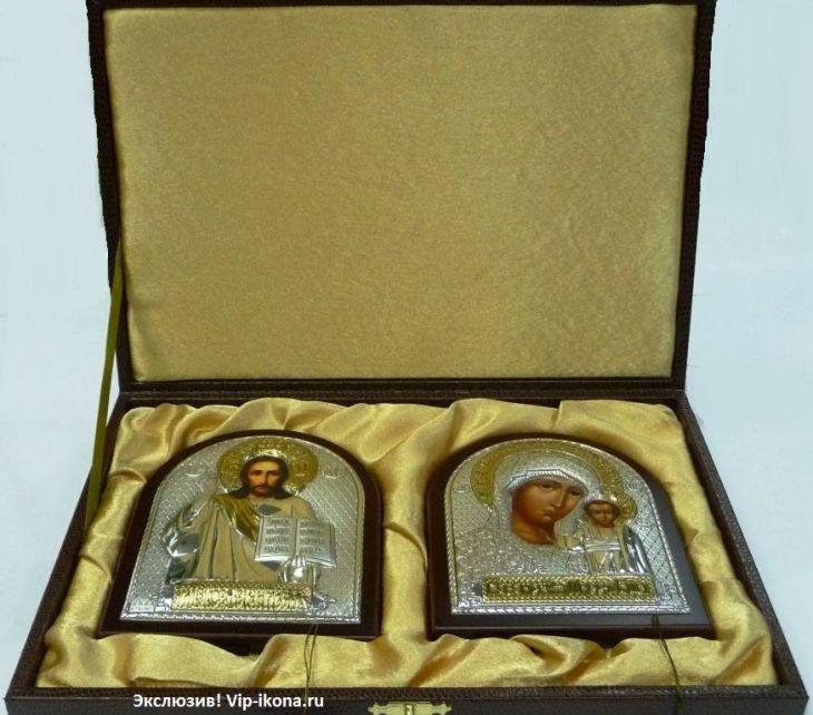 Подарочный набор (венчальная пара) Христа и Божьей Матери (12*16см., Россия) в VIP-упаковке в коричневом дереве