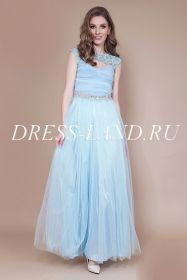 Голубое вечернее платье со стразами