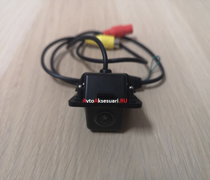 Штатная камера заднего вида для Citroen C-Crosser 2008-2013