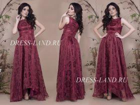 Бордовое атласное платье с ассиметричным подолом