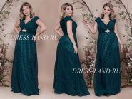 Зеленое вечернее платье с V-образным декольте