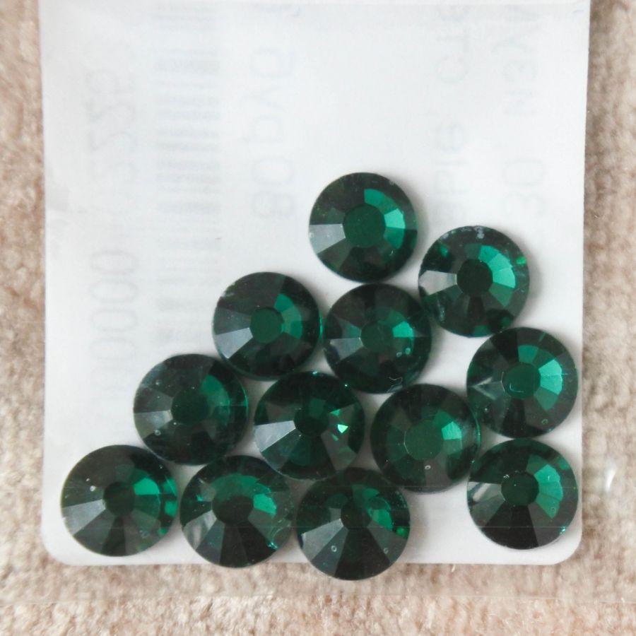 Стразы стеклянные клеевые, цвет Изумруд, SS30, 12 шт/упак