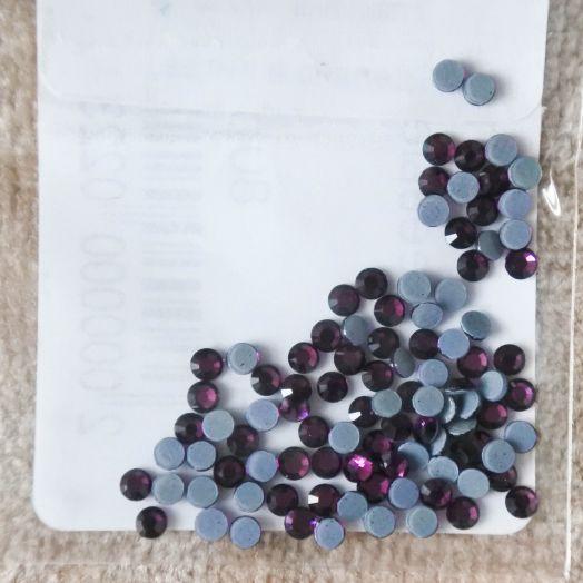 Стразы стеклянные клеевые, цвет Пурпурный