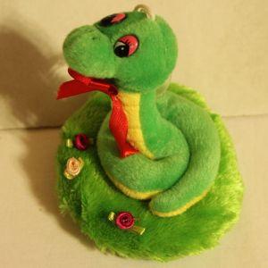 ! змея зел на полянке, ячейка: 106