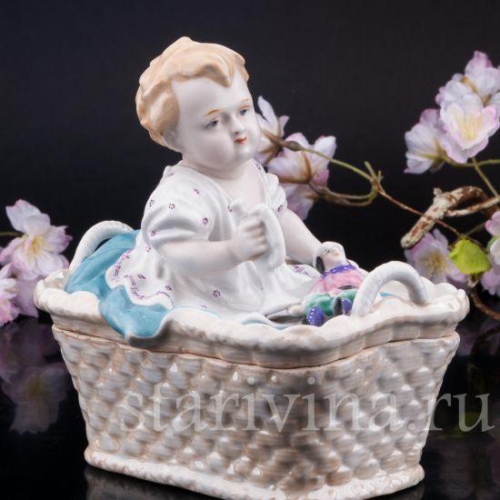 Изображение Малыш в корзине, шкатулка, Германия, нач. 20 в.