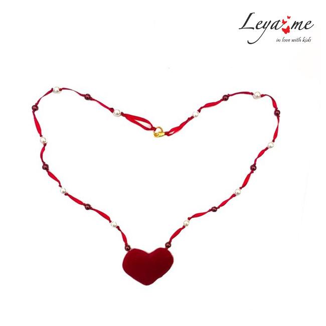 Ожерелье с жемчужинами и сердцем