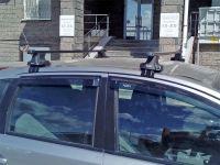 Универсальный багажник на крышу Nissan Note, D-Lux 1, стальные прямоугольные дуги