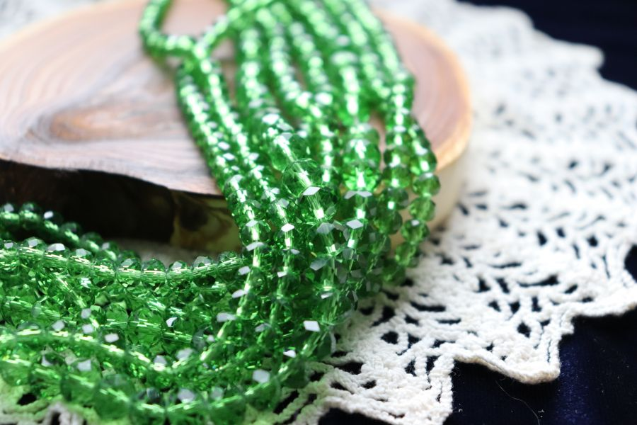 Бусины стеклянные, граненый рондель, цвет 308, Ярко-зеленый, 4*3 мм, нитка 48 см