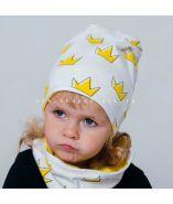 ШВ19-05721290 Двухслойная удлиненная трикотажная шапка с принтом, корона желтая