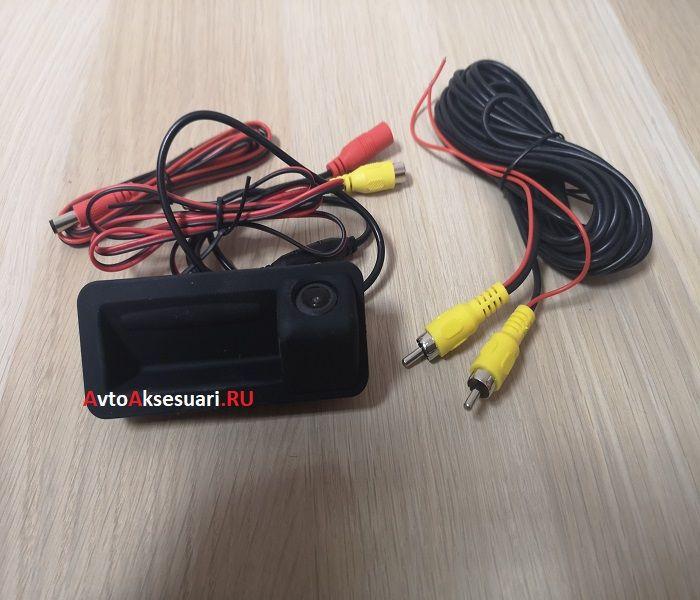 Камера заднего вида Ford Kuga в ручку багажника