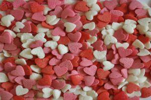 Посыпка Сердечки красно-бело-розовые 50 гр.