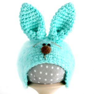 Вязаная шапочка для куклы Зайка с мордочкой мятный