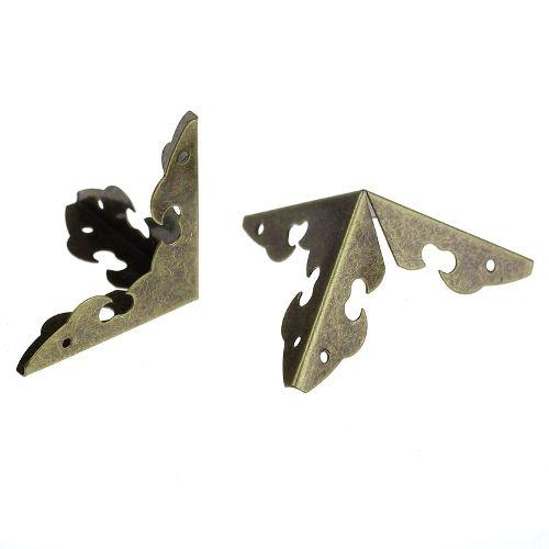 Уголок для шкатулки 3 стороны, гладкий, чекан. бронза, 30 мм, 4 шт/упак