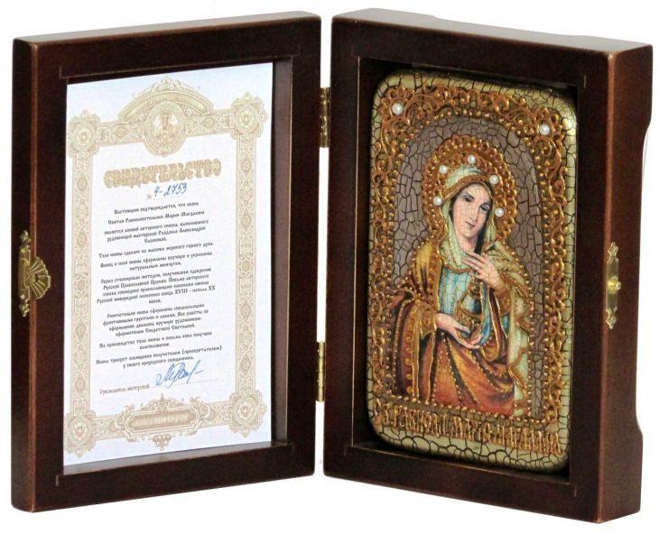 Инкрустированная настольная икона Святая Равноапостольная Мария Магдалина (10*15 см, Россия) на натуральном мореном дубе, в подарочной коробке