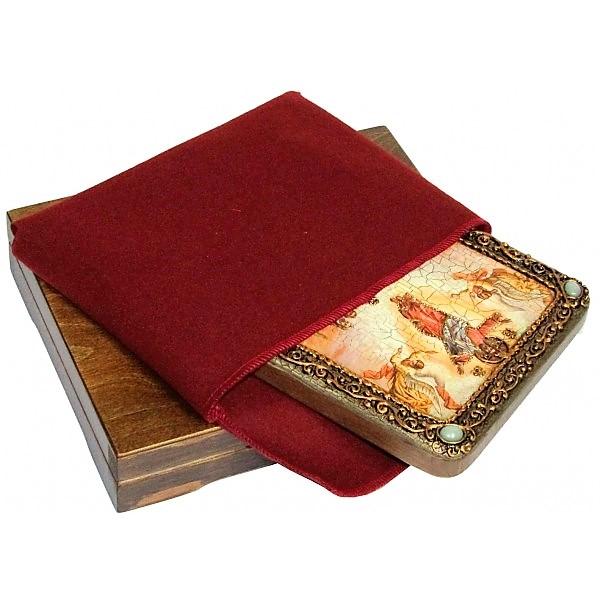 Инкрустированная рукописная икона Вознесение Господне (15*20 см, Россия) на натуральном мореном дубе, в подарочной коробке