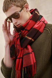 Роскошный экстра большой плотный шарф, высокая плотность, 100 % драгоценный кашемир , тартан клана Уоллес- Храброе Сердце,  WALLACE TARTAN CLASSIC CASHMERE   (премиум).