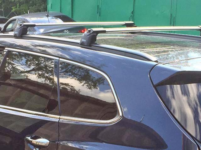 Багажник на крышу Hyundai Santa Fe 2012-..., Turtle Air 2, аэродинамические дуги на интегрированные рейлинги (серебристый цвет)