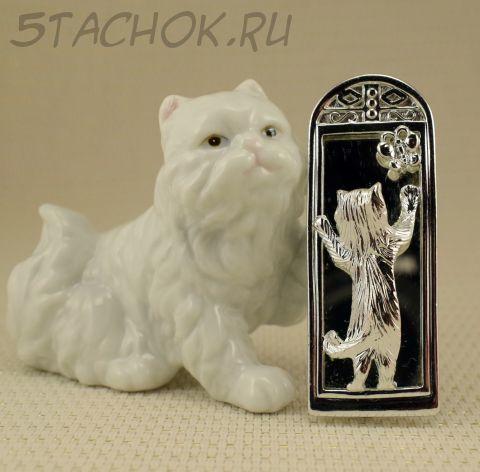"""Брошь """"Кошечка с бабочкой у зеркала"""" цвет серебра (AJC США)"""